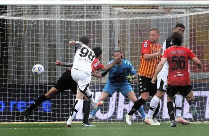Dennis Man a spart gheața în Serie A și a adus un punct Parmei la Benevento! + VIDEO