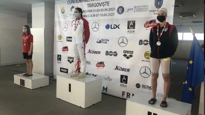 Înotătoarea Andreea Popescu, dublă medaliată cu aur la Cupa României!