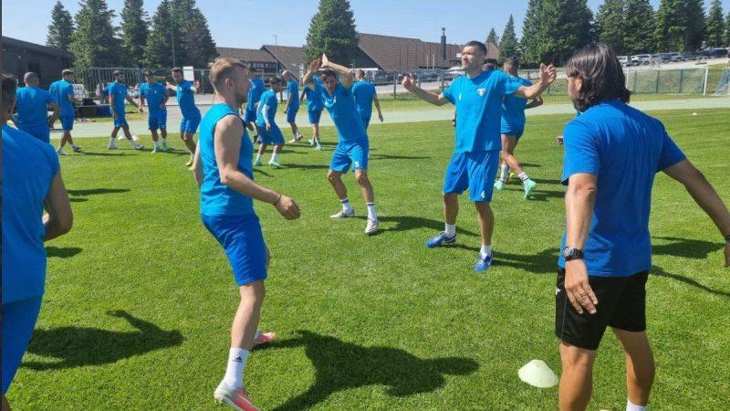Ilie a părăsit cantonamentul din Slovenia, Balint își numără fundașii centrali înainte de testul cu Gorica