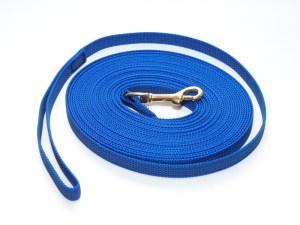 Поводок из прорезиненной стропы 20 мм синий бронза