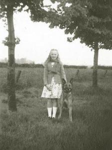 Девочка с малинуа