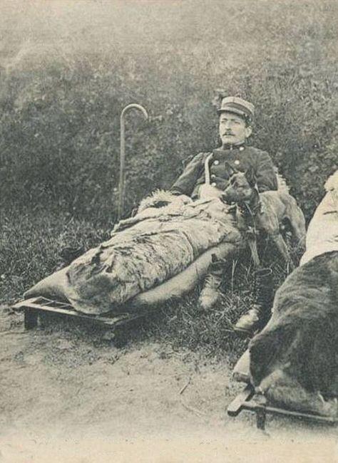 Офицер французской таможни на отдыхе с малинуа