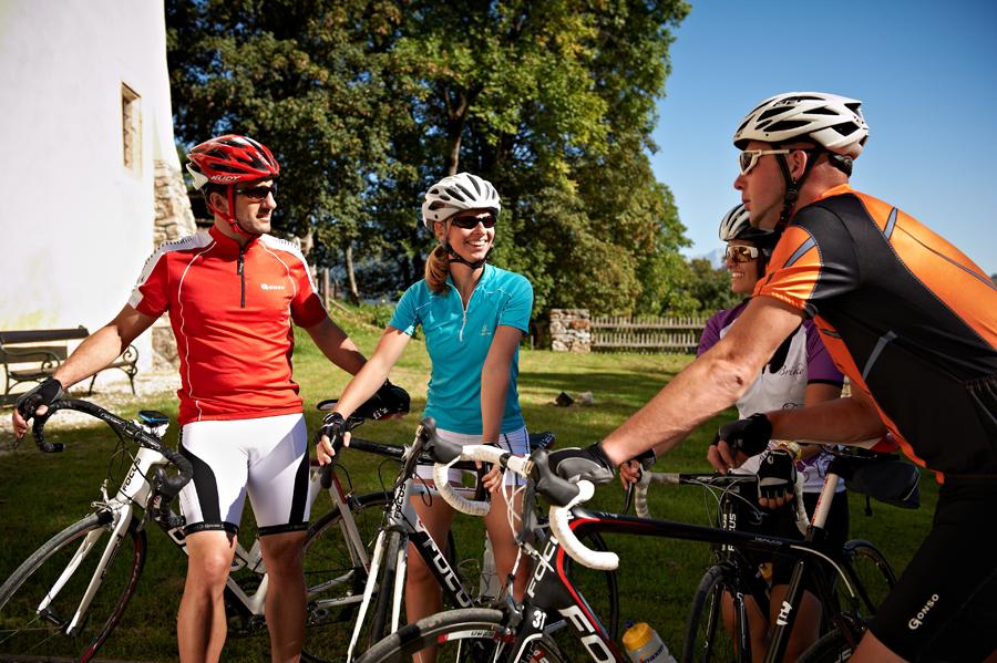 Eine kleine Pause auf der Rennrad-Tour durch die Region Flachau.