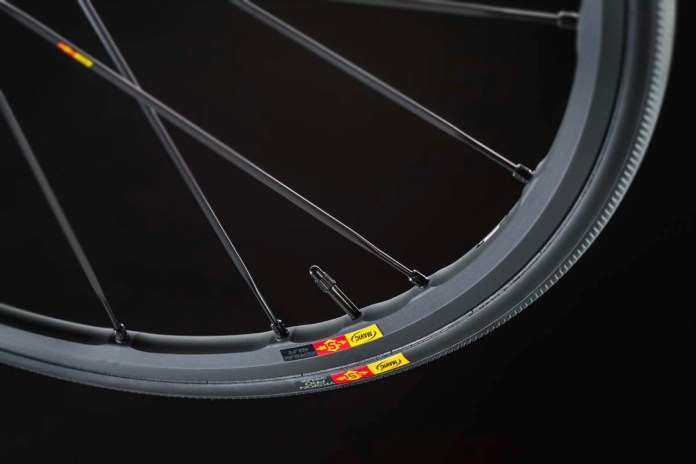 Pure Cycling Ultimate CF SLX 9.0, Ksyrium SLR Exalith