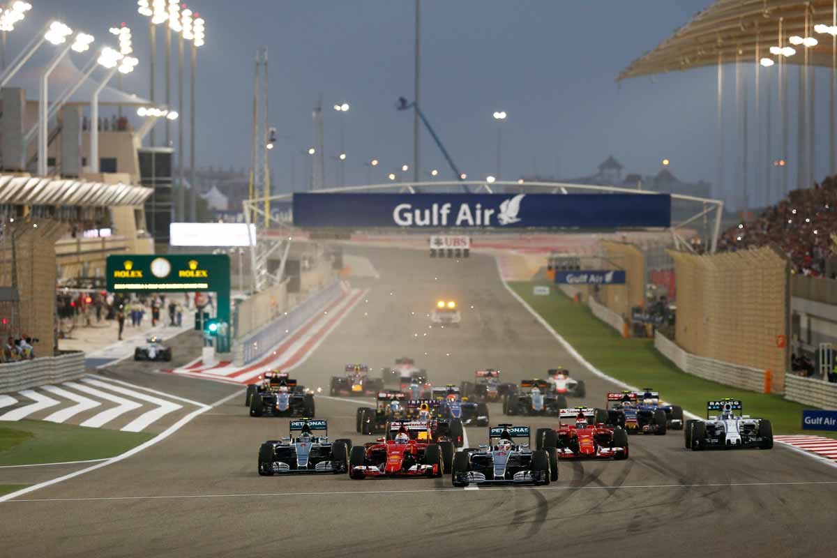GP-Bahrain2015-Start