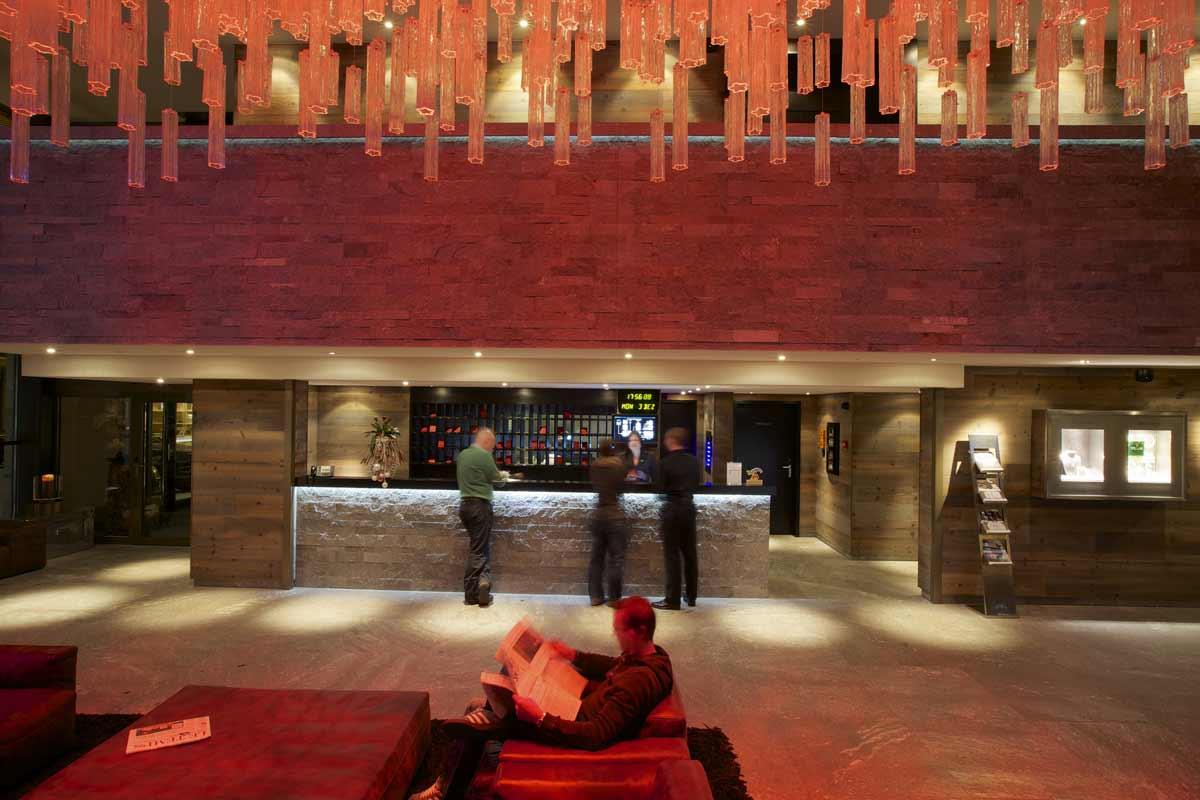 Hotel Grischa, Reception