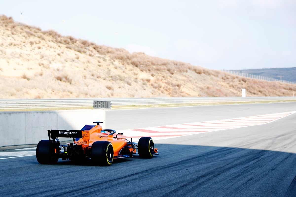 McLaren-MCL33-Actionbild2