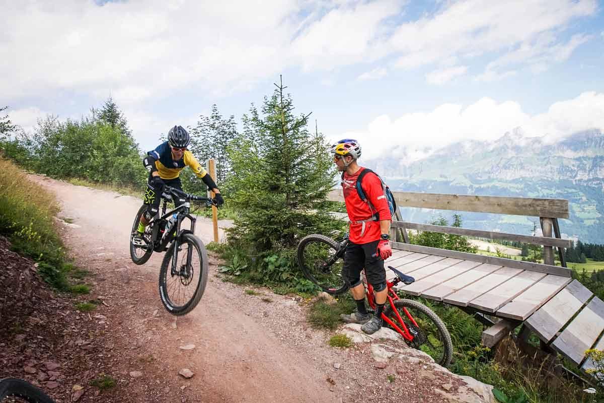 René-Wildhaber-lanciert-die-BikerSchool-Flumserberg-Bild1