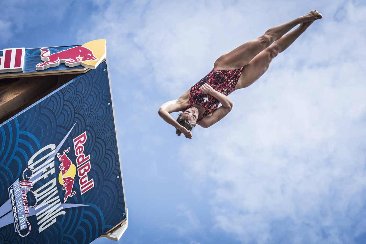 Red-Bull-Cliff-Diving-AP-1PVHVS1PN2111_news