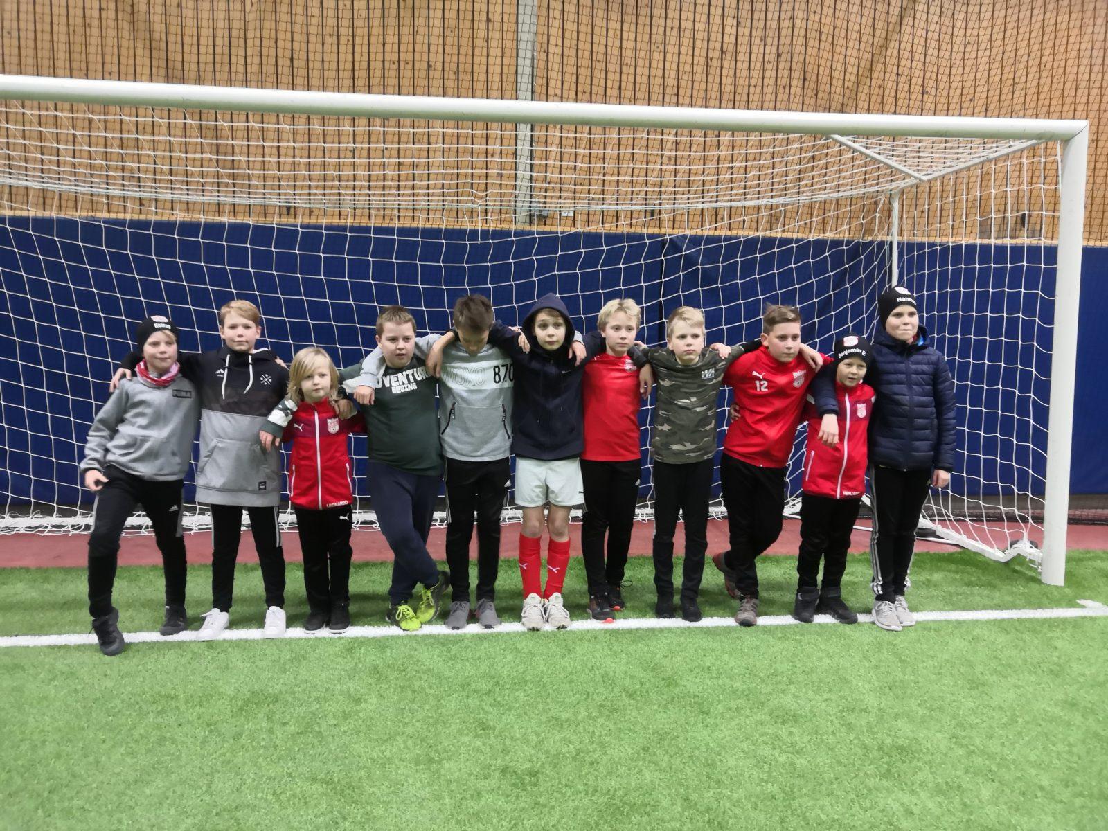 Read more about the article P12 päättivät kautensa Pietarsaaressa.