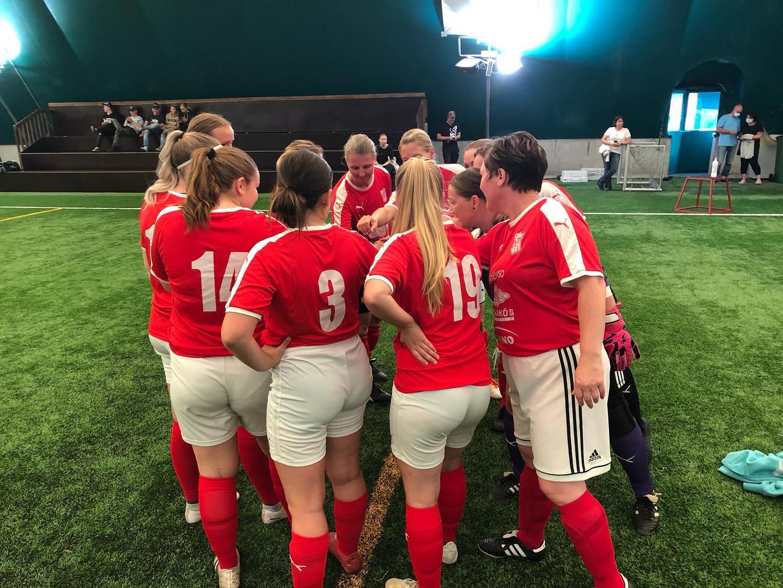 Läs mer om artikeln Sportings damer spelar träningsmatch mot Sportings F14 nu på fredag 24.9.2021 kl 18.00 på Braheplan!
