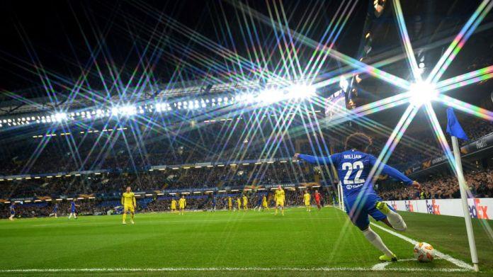 Willian kicks one corner for Chelsea against BATE Borisov