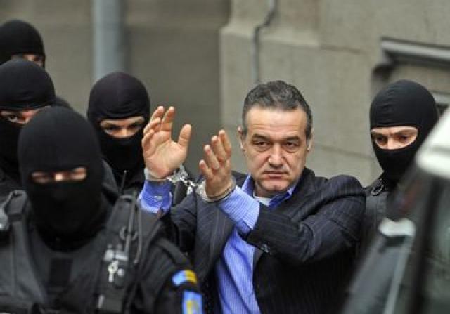 Gigi Becali a fost condamnat la trei ani de inchisoare cu executare