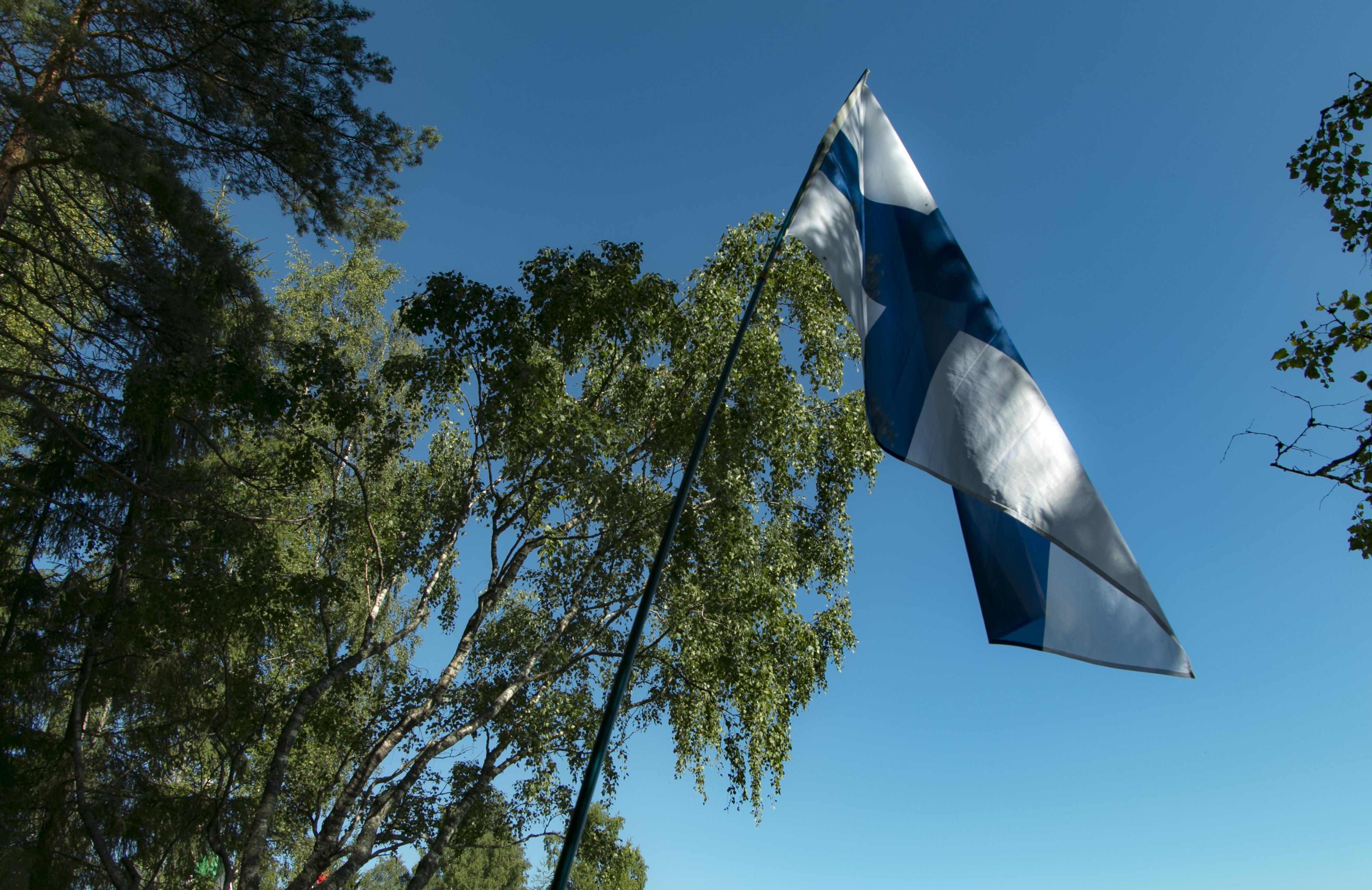 Suomen lippu Oittilassa