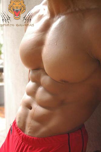 10 patarimų kaip priaugti liesos raumenų masės