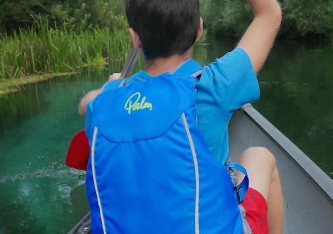 canoa-bambni-tirino-escursionecanoa-bambni-tirino-fiume-pulito-italiacanoa-bambni-tirino-fiume-pulito-italia-escursionecanoa-bmbni-tirino-fiume-pulito-italia-escursione-guida-foto-demori