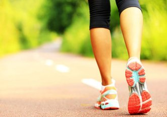 Camminare aiuta a pensare meglio, basta farlo 3 volte a settimana