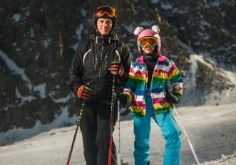 Come lavare abbigliamento e attrezzatura da sci dopo l'inverno e prima di metterla via