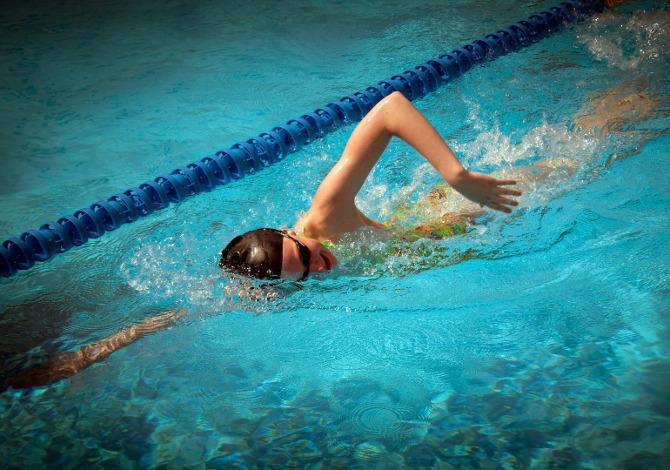 Cosa portare in piscina per un corso di nuoto  SportOutdoor24