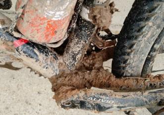 Come pulire la mountain bike dal fango