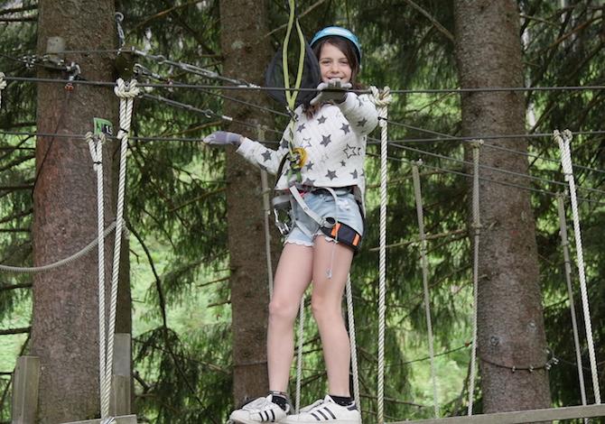 vacanza-austria-bambini-parco-avventura-alberi-foto-martino-de-mori
