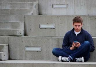 Stare troppo seduti rende gli adolescenti depressi