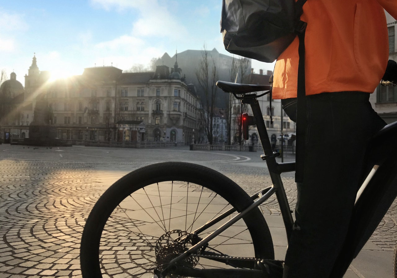 E-bike commuting: gli accessori indispensabili per praticità e sicurezza - SportOutdoor24