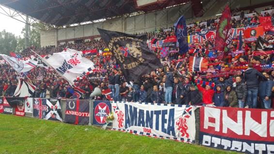 Cosenza-Catanzaro-Lega-Pro-2015-16-06