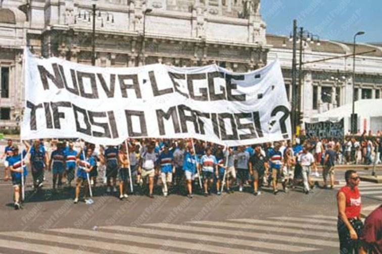 Manifestazione-Ultras-Milano-Giugno-2003-05
