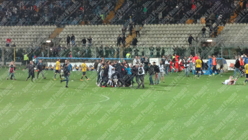 Modena-Crotone-Serie-B-2015-16-26