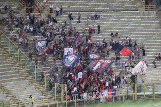 Bologna-Crotone-Serie-A-2016-17-15