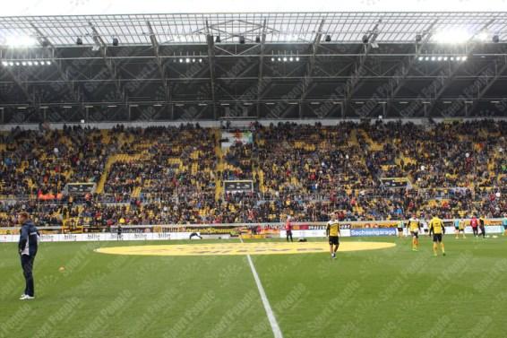 Dynamo-Dresda-Hansa-Rostock-3-Bundesliga-2015-16-10