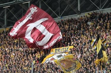 Dynamo-Dresda-Hansa-Rostock-3-Bundesliga-2015-16-38