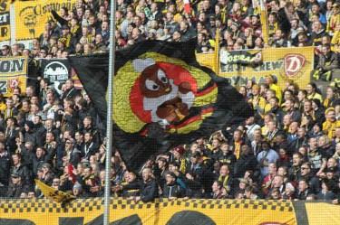 Dynamo-Dresda-Hansa-Rostock-3-Bundesliga-2015-16-40