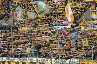 Dynamo-Dresda-Hansa-Rostock-3-Bundesliga-2015-16-50