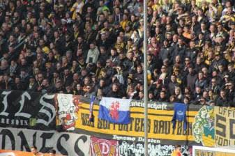 Dynamo-Dresda-Hansa-Rostock-3-Bundesliga-2015-16-52
