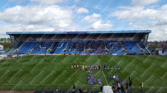 Carlisle-United-Stevenage-League-Two-2016-17-04