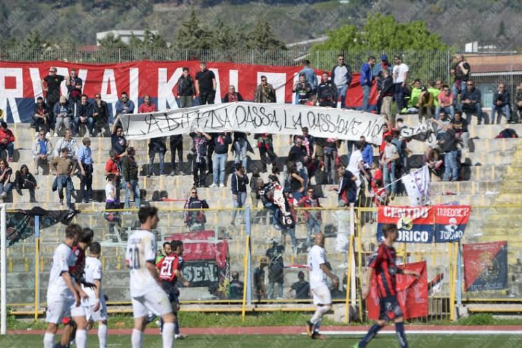 Casertana-Cosenza-Lega-Pro-2016-17-09