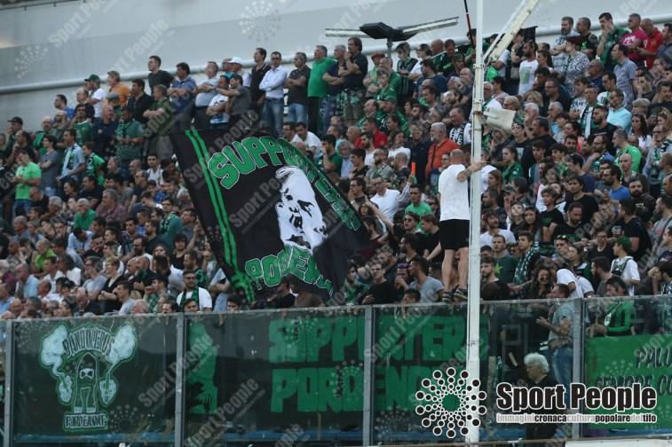 Pordenone-Cosenza-playoff-Lega-Pro-2016-17-12