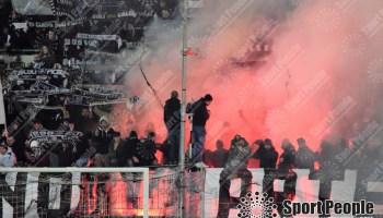 Buon Natale Ultras.Ultras Brescia 1911 Buon Natale E Buon Anno A Tutti E Avanti Ultras Sempre Sport People