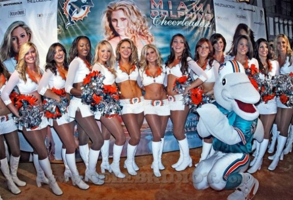 miami_dolphins_cheerleader