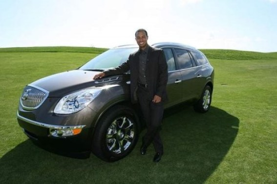 tiger-woods-buick