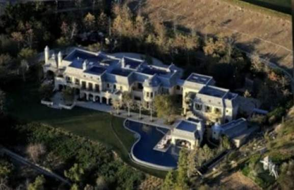 tom-brady-home-moat