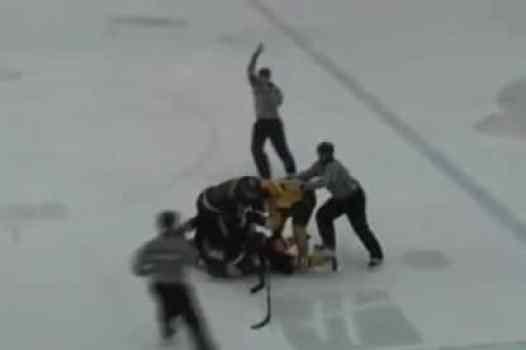 hockey-announcer