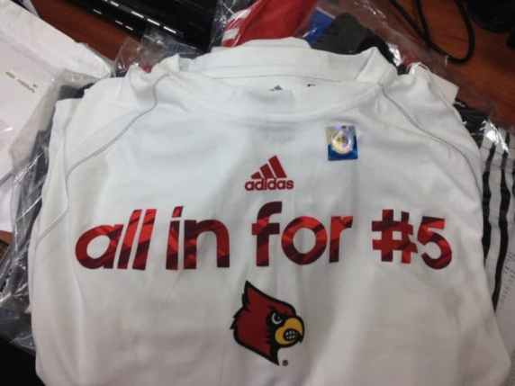 louisville-cardinals-warmups-kevin-ware