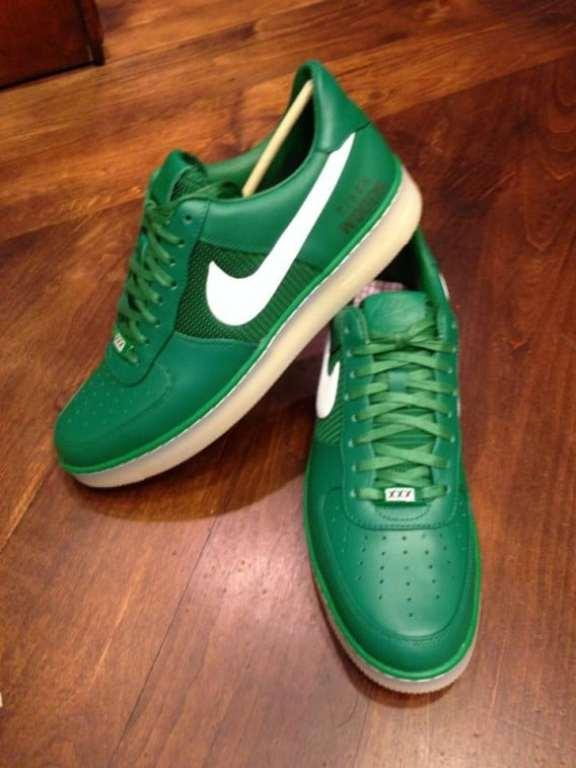 tiger-woods-custom-nike-masters-shoes-3
