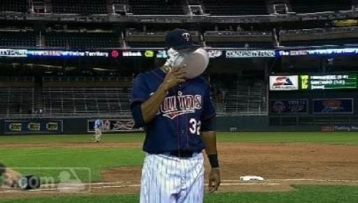 aaron-hicks-pied