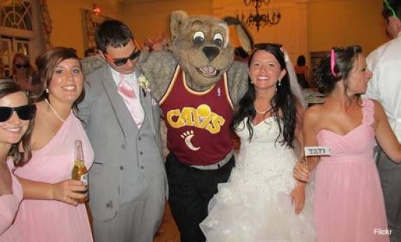 cleveland-cavaliers-moondog-wedding-8