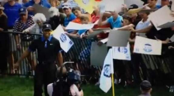 tiger-woods-autograph-trolling