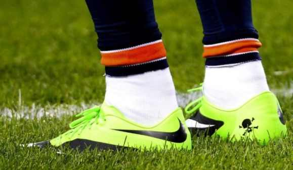 brandon-marshall-green-cleats